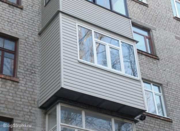 В нашем доме проводится ремонт балконов, которые находятся в.